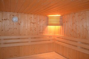 avoid saunas and jacuzzis when pregnant