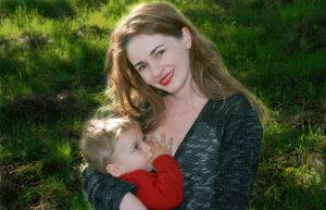breastfeeding benefits for Mum and baby