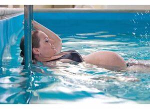 pregnancy-aqua-therapy