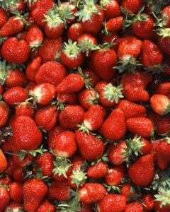 strawberries pregnancy nutrition